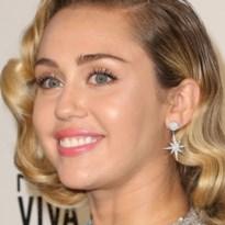 Miley Cyrus breekt met vriend