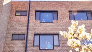 """Coronamoeheid in het woon-zorgcentrum: """"In de hemel mag ik meer volk zien"""""""