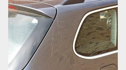 Elf auto's bekrast in Tongeren