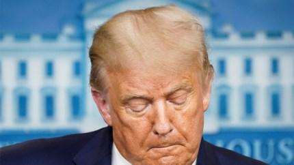 """Journalist doet Trump opschrikken met vraag: """"Betreurt u al uw leugens?"""""""
