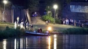 Nederlandse brandweer zoekt naar vermiste man in Maas bij Reuver