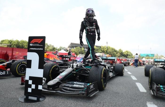 Lewis Hamilton herstelt de orde met eenvoudige zege en verbreekt alweer record Michael Schumacher