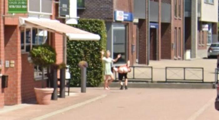 Jens (22) uit Oudsbergen toont zijn blote billen op Google Street View