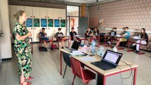Professoren bemannen zomerschool in Genk om leerachterstand goed te maken