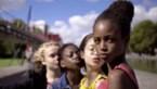 """Netflix zegt sorry voor """"misselijkmakende"""" filmposter met jonge meisjes"""