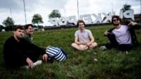 Pukkelpopletters lokken duizenden dorstige en melancholische festivalvierders