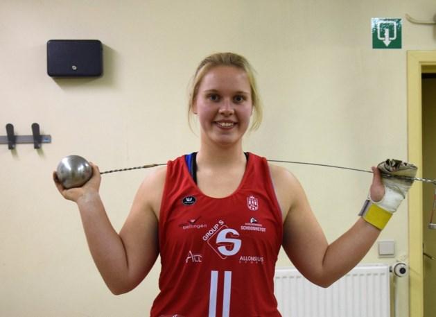 Vanessa Sterckendries verpulvert eigen Belgisch record in het hamerslingeren