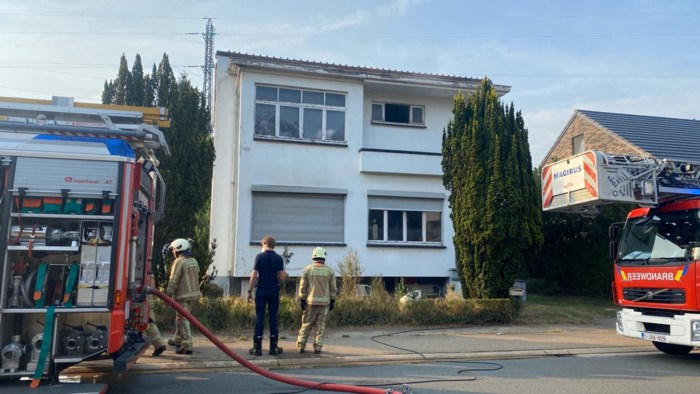 Huis onbewoonbaar na brand in Stationstraat in Houthalen