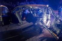 Auto belandt tegen paal in Diepenbeek