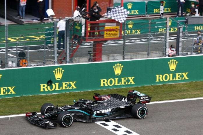 Lewis Hamilton vlamt naar de zege op Spa-Francorchamps