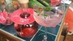 Reclamejongens lanceren gin waar je een smoel bij trekt