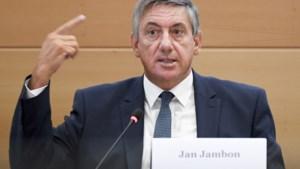 """Jambon verwijst naar """"summier"""" politieverslag, maar kan niet hele commissie overtuigen"""