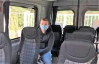 """Leander zit elke dag 5.30 uur op de bus: """"School heeft acht extra bussen nodig"""""""