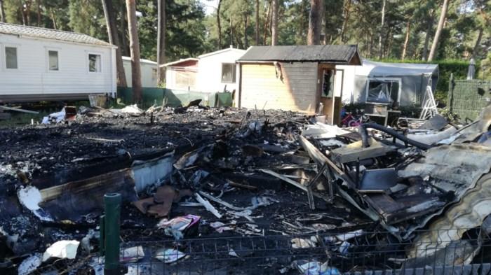 Brand verwoest stacaravan op Blauwe Meer in Lommel
