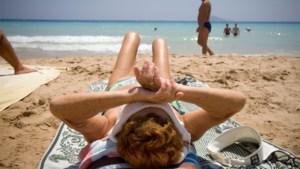 OPROEP. Heel Spanje, op Tenerife na, vanaf morgen rood: valt uw vakantie in het water?