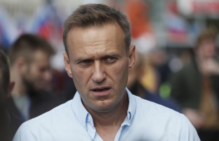 """Alexej Navalny is vergiftigd met novitsjok"", Merkel spreekt over moordpoging"