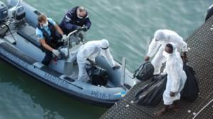 Meer dan 400 migranten steken Kanaal over op één dag