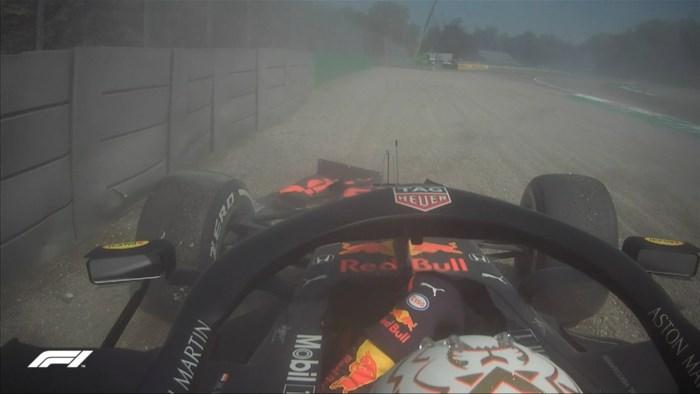 Max Verstappen crasht tijdens eerste oefensessie in Monza voor GP van Italië