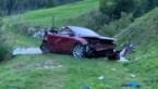 Cabrio met Belgische nummerplaat stort naar beneden in Zwitserse Alpen, één dode