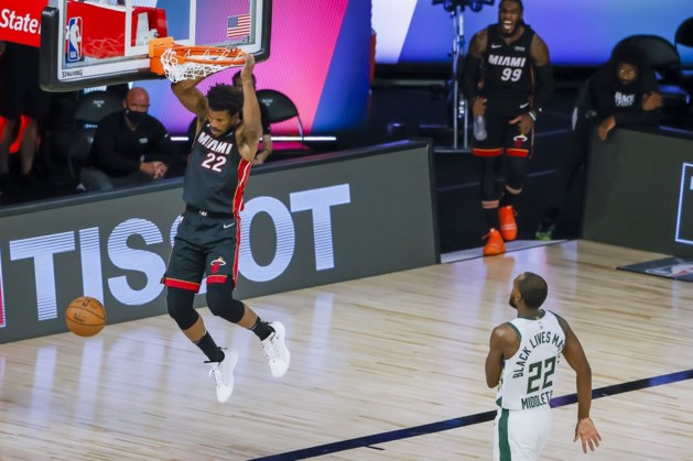 Milwaukee Bucks staan op rand van exit, Houston verrast Lakers in NBA play-offs