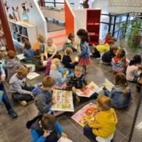 Kinderen genieten in klasbubbels weer van boeken