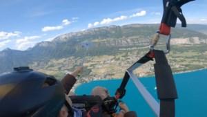 Vrouw laat gloednieuwe iPhone in de diepte vallen tijdens paragliden