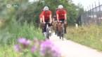 Werknemers van Essers rijden eigen Tour de France rond bedrijfsgebouw