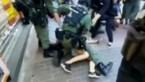 """Gewelddadige arrestatie 12-jarig meisje schokt Hongkong: """"Toont hoe zenuwachtig de politie is"""""""