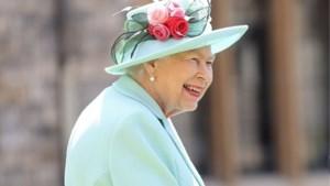 Queen Elizabeth gaat na maanden in quarantaine opnieuw aan de slag