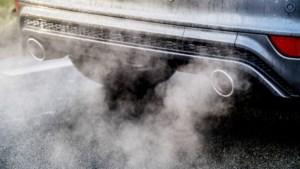 """Youth for Climate en experten: """"Vervang salariswagen door een salariswoning"""""""