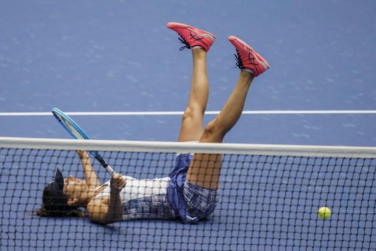 Serena Williams maakt einde aan sprookje van taaie Pironkova en wacht op Mertens in halve finale US Open