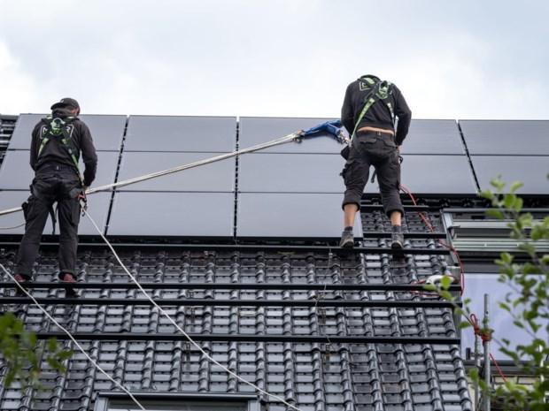 Rush op zonnepanelen: lange wachttijden voor digitale teller in Limburg