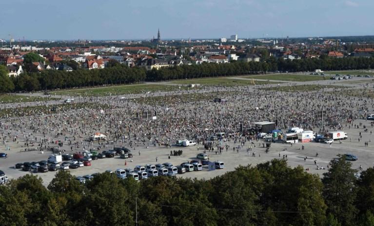 """10.000 mensen betogen in München tegen coronamaatregelen: """"Fake pandemie"""""""