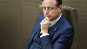 N-VA keurt afwijking van statuten goed: Bart De Wever kan opnieuw voorzitter worden