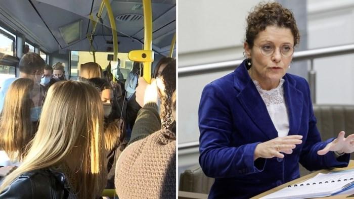 Vlaamse regering zet privébussen in om drukte bij De Lijn tegen te gaan