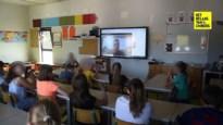 Zieke meester Jens geeft zijn klas les via webcam