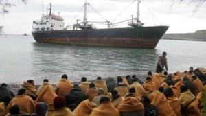 Dertig mensen uit water gered nadat boot kapseist voor kust van Kreta