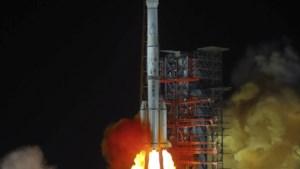 China lanceert negen satellieten tegelijk van op zee