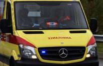 Ziekenwagen van Rode Kruis beschadigd door vandalen
