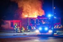 Container op rijdende vrachtwagen vliegt in brand in Beverlo