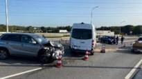 Zware verkeershinder na ongeval met vijf voertuigen op Westerring in Genk