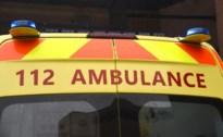 Bromfietser (59) lichtgewond na botsing met auto in Overpelt