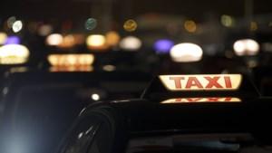 Minister maakt definitief komaf met 15 minuten verplichte wachttijd voor taxi's
