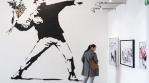 Banksy is rechten over iconische 'bloemengooier' kwijt door zijn anonimiteit, maar kan nog in beroep gaan