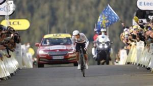 Wat een ommekeer in de Tour: Pogacar rijdt Roglic helemaal weg in tijdrit en pakt de gele trui