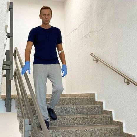 Ontwikkelaar zenuwgif zegt sorry tegen Russische opposant Navalni