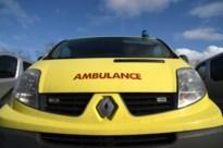 Fietser (80) uit Pelt gewond na botsing met auto in Kaulille