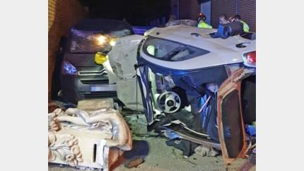 Jonge bestuurster gekneld in wagen na ongeval in Sint-Truiden