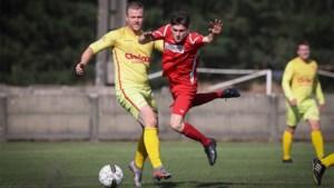 VIDEO. Gemiste kopballen en een straffe omhaal: dit was het weekend op de Limburgse voetbalvelden