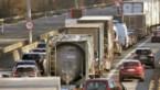 Hinder op E313 naar Hasselt nadat stukje wegdek omhoogkwam in Geel-Oost